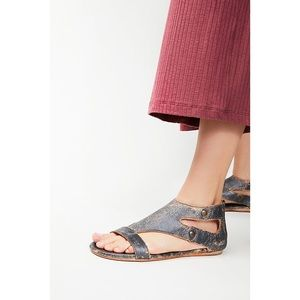 Bed Stu Soto Sandals in Washed Leather